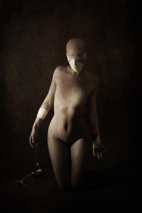 """[HUMAN]<br>Model : Yasmine<br><u><a href=""""http://www.nihil.fr/product/human/"""">Order a print</a></u>"""