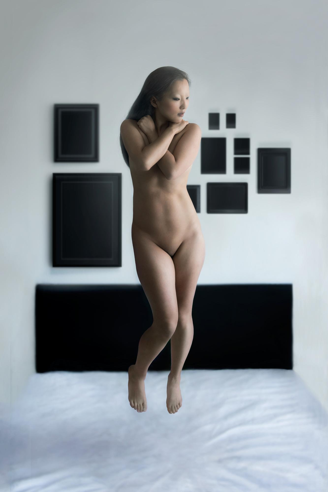"[REVE]<br>Model : <u><a href=""https://www.facebook.com/Lady-Heroine-549930911771100/"">Lady Heroïne</a></u><br><u><a href=""http://www.nihil.fr/product/reve/"">Order a print</a></u>"